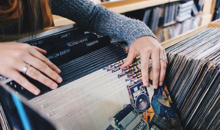 DIY – Wanddekoration aus alten Schallplatten