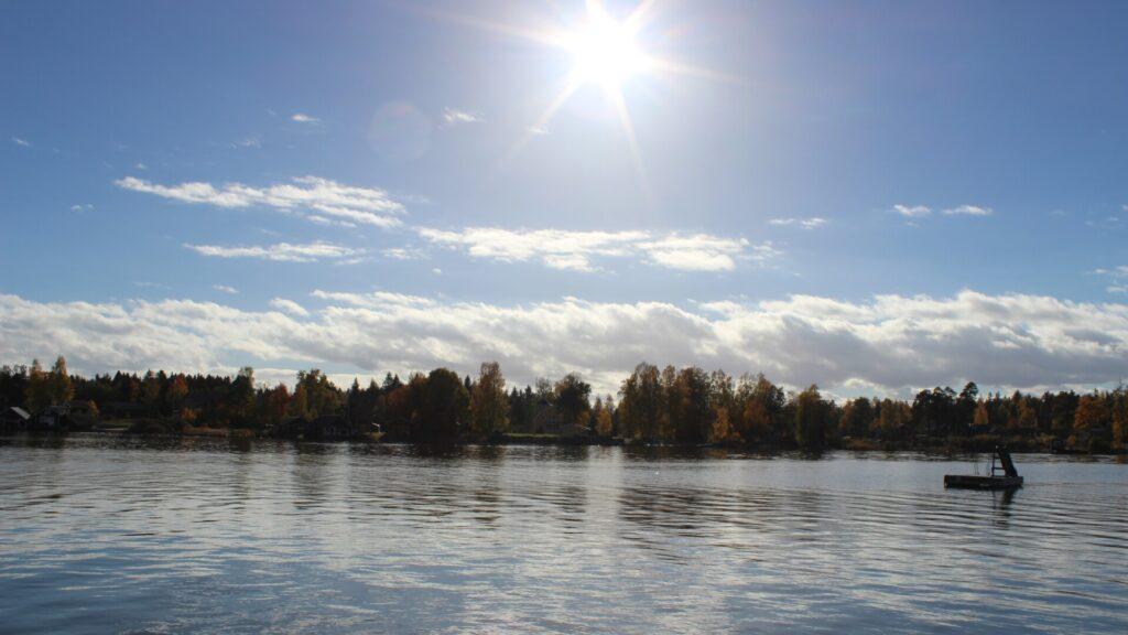 Das Ufer in Bönan