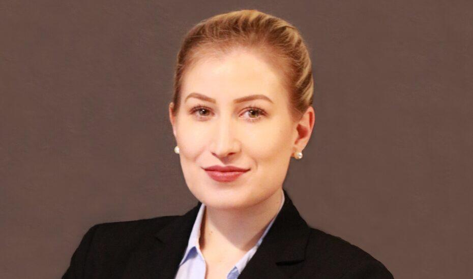DEC Alumna Miriam Feurer – Erfolgsgeschichte mit Biss