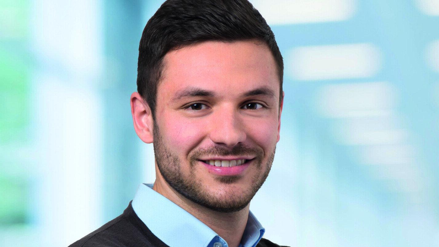 DEC Alumnus Simon Neininger Portrait Dialogmarketing und E-Commerce Hochschule Offenburg