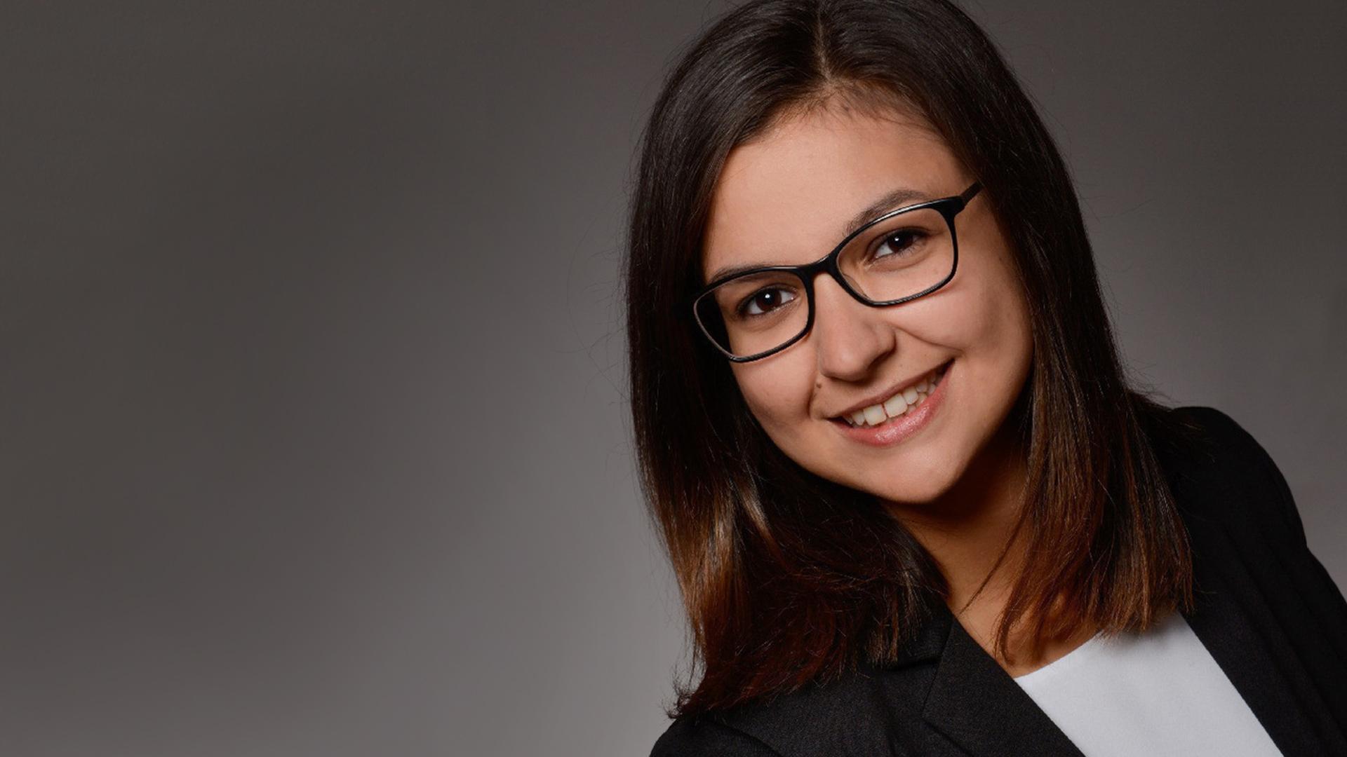 Portrait Selina Anke Alumna DEC Masterandin